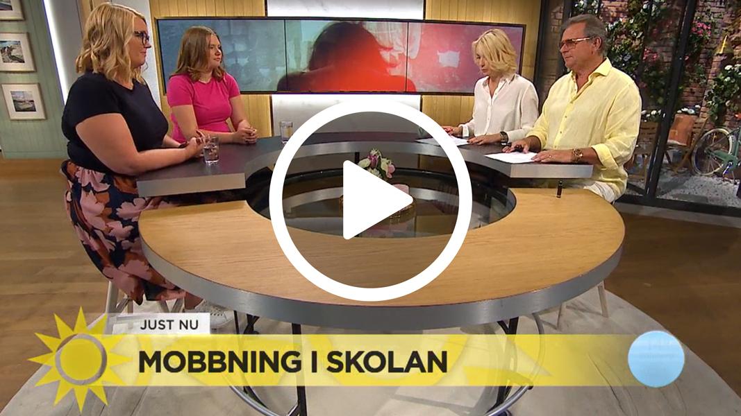 Bild från när friends var med på tv4 nyhetsmorgon för att prata om mobbning och ensamhet. bilden är tagen i tv-studion